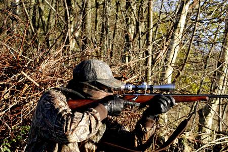 Vid jakten är det viktigt att ha rätt produkter, som bra jaktkläder.
